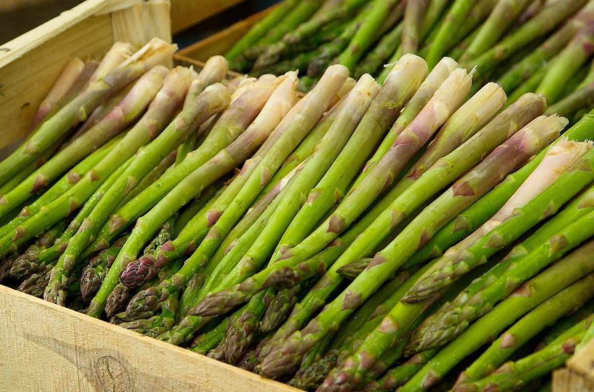 Choisir et préparer des asperges vertes délicieuses