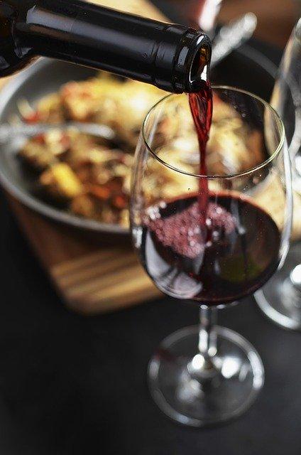 Choisissez un bon vin pour accompagner ce magret de canard au four en papillote